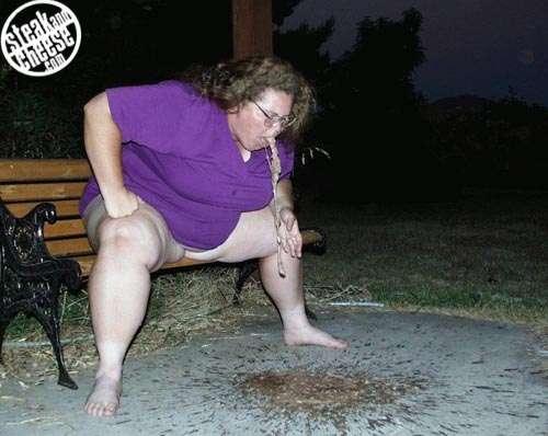 Fat Naked Chick vomit