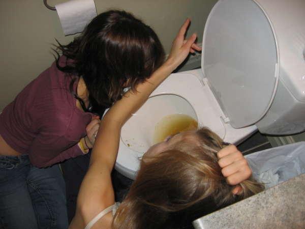 photos of girls vomiting № 9119