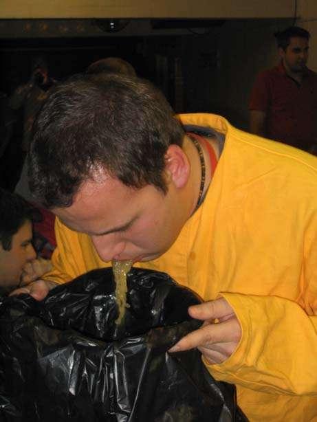 100 klubben vomit